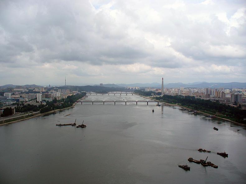 Pyongyang and river Taedong